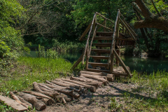 Мост над река Златна Панега. През пролетта много често водата достига до нивото им. Снимки: ToGood Photos