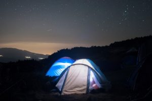 защо да изберем палатка пред хотел