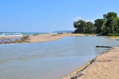Река Камчия, вливаща се в морето. Снимка: ToGood Photos